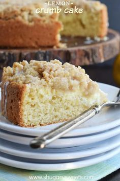 This Lemon Crumb Cake recipe is a great breakfast idea. Creamy filling with a crumbly topping and lemon glaze!