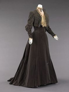 Afternoon dress House of Worth (French, 1858–1956) Designer: Charles Frederick Worth (French (born England), Bourne 1825–1895 Paris) Date: 1889 Culture: French Medium: silk, metal