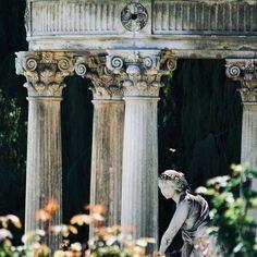 Organic gardening for healty food Disney Films, Aphrodite, Persephone, Pallets Garden, Organic Gardening, Urban Gardening, Heroes Of Olympus, Sculpture, Greek Gods