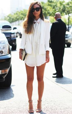 Eyes on Events providing all Fashion news and fashion week news White Fashion, Look Fashion, Womens Fashion, Fashion Clothes, Fashion Tag, Fashion Outfits, Looks Street Style, Looks Style, White Blazer Outfits