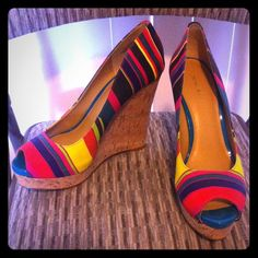"""Nine West Linger multi-colored wedges Textile/Canvas type material, 1.5"""" platform, 5"""" heel 🚫trades 🚫PayPal NEVER WORN new without tags Nine West Shoes"""