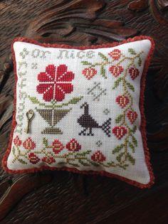 Hand stitched blackbird design pin cushion. by TheOldNeedleShop