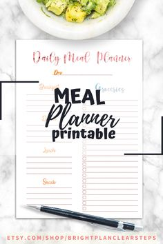 If you are looking for meal planning organization printables, this is the best planner for you! it includes a monthly meal planning printables, a weekly meal planner and the best grocery list to plan and achieve your health and fit weight loss diet. You´ll also receive Recipe cards and more printables to organizing the best recipes to try. Organize your meal planning ideas weekly or monthly with a healthy eating planner and meal tracking printables #mealplanning #familymealplanning… Weekly Meal Planner Template, Monthly Meal Planner, Meal Planner Printable, Planner Pages, Printables, Diet Planner, Healthy Eating Planner, Family Meal Planning, Menu Planners
