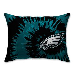 Place your team pride on full display by incorporating bright and cheerful team colors into your bedroom space with the NFL Plush Tie Dye Bed Pillow. This comfortable plush pillow showcases your favorite NFL team logo with a cool tie dye design. Philadelphia Eagles Merchandise, Philadelphia Eagles Football, Eagles Nfl, Pittsburgh Steelers, Dallas Cowboys, Cool Tie Dye Designs, Tie Dye Bedding, Jerseys Nfl, Saints