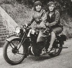 Nurse Downe (Standeven ) and friend 1930's.jpg (923×877)