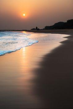 Sandbeach by sandy wang on 500px Arrebol, nascer do sol, aurora, sunrise, salida del sol, pôr do sol, ocaso, sunset, puesta del sol, golden hour