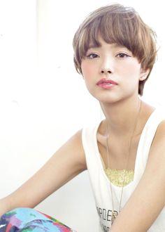 大人可愛いマッシュショートの画像(2) | 青山・表参道の美容室 ACQUA omotesandoのヘアスタイル | Rasysa(らしさ)