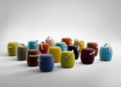 Pouf rembourré CARRY ON by Offecct design Mattias Stenberg Origami Design, Boconcept, Pouf Rembourré, Kids Furniture, Furniture Design, Office Furniture, Modern Furniture, Pouf Design, Scandinavian Modern