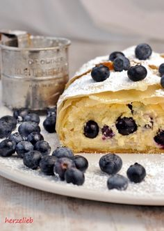 Cake recipes, grandmother's recipes: Recipe for grandmother's cottage cheese strudel with blueberries from Herzelieb. The Joy Of Baking, Cheesecake, Sweet Little Things, Dessert Recipes, Cake Recipes, Gateaux Cake, Sweet Bakery, Blueberry Recipes, Blueberry Cake