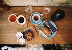 Bester Kaffee im lauschigen Hinterhof bei Father Carpenter Coffee Brewers