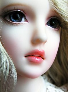 Supia Roda BJD doll--There is a possibility that she doesn't want to be a real girl. I haven't seen many with open mouth detail, I love it Anime Dolls, Ooak Dolls, Blythe Dolls, Enchanted Doll, Beautiful Barbie Dolls, Pretty Dolls, Barbie Images, Cute Cartoon Girl, Cute Baby Dolls