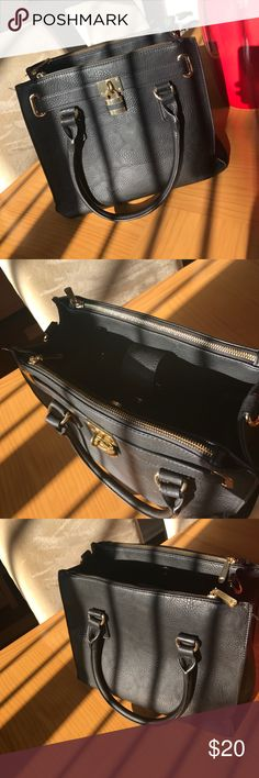 Black Tote with Gold Accents Tons of space and pockets!! Bags Totes