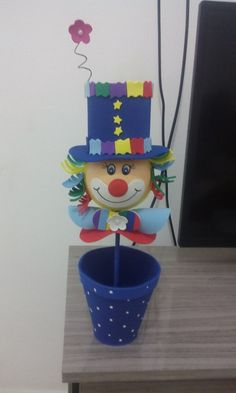 Clown Crafts, Carnival Crafts, Carnival Themes, Party Themes, Clowns For Birthday Parties, Circus Birthday, Clown Party, Circus Party, Hobbies And Crafts