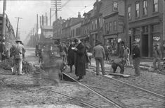 Pittsburghers hard at work in this photo of the Hazelwood neighborhood in 1906 Old Pictures, Old Photos, Vintage Photos, Pittsburg Pa, Pittsburgh Skyline, Pittsburgh Steelers, Pennsylvania History, Mount Washington, Boston Public Library
