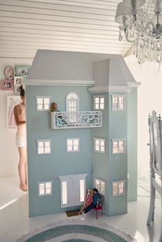 lifesize dollhouse