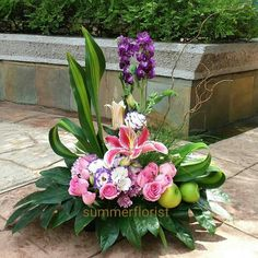 Altar Flowers, Home Flowers, Bunch Of Flowers, Table Flowers, Colorful Flowers, Creative Flower Arrangements, Silk Flower Arrangements, Funeral Arrangements, Funeral Flowers