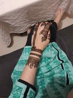 Pin For Trend Presented Stylish Mehandi Designs For Stylish Girls - Mehand Design Images (Latest Mehandi Ideas And Images Collection) Mehndi Designs Feet, Khafif Mehndi Design, Indian Henna Designs, Latest Arabic Mehndi Designs, Henna Art Designs, Mehndi Designs For Girls, Mehndi Designs 2018, Stylish Mehndi Designs, Dulhan Mehndi Designs