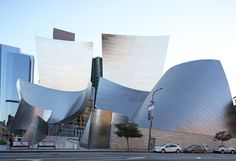 Looking back at Frank Gehry's building-bending feats