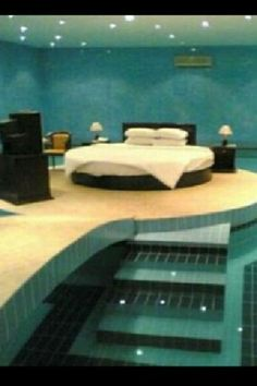 A bed room in a pool Awsome. so i can just sleep in my bathing soot
