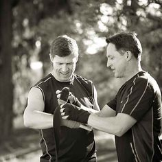 23 Awesomely Athletic Ideas For Engagement Photos
