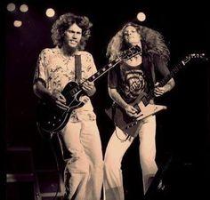 Allen Collins and Steve Gaines. Shared on Facebook by Allen Collins ROLL FOR ROCK #allencollins #stevegaines #lynyrdskynyrd #southernrock | Skynyrd.com