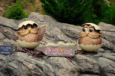 These owls want to be in your picture at Dollywood!
