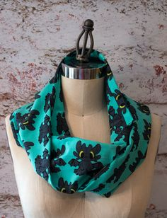 Toothie Dragon Infinity Scarf by StinkeeCheese on Etsy #Toothless #Howtotrainyourdragon