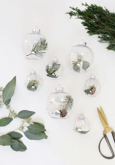 DIY Fresh Greenery Ornaments @themerrythought