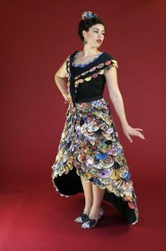 Junk mail fan dress by Recycle Runway http://greenstreamline.com/blog/post/recycle_runways_wearable_art_made_from_trash