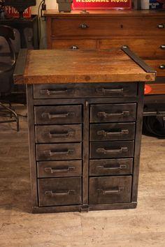 meuble d'atelier industriel d'usine ancien