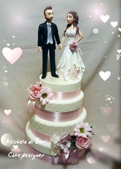 Wedding cake con cake topper realizzato in porcellana fredda ❤