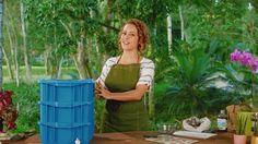 Composteira - como fazer  Vídeo GNT Outdoor Furniture Sets, Outdoor Decor, Crafts, Craft Ideas, Gardening, Wood Grain, Eggshell, Compost, Egg Cartons