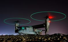 Osprey tilt rotor aircraft / Airplane At Night Osprey Helicopter, Military Helicopter, Military Aircraft, Bell Helicopter, Osprey Military, Gi Joe, Mv 22, Cool Pictures, Cool Photos