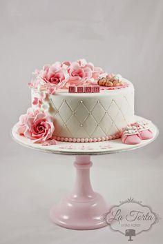 La Torta - unike kaker: Søt dåpskake med rosa detaljer Baby Cakes, Baby Shower Cakes, Projects To Try, Birthday Cake, Sweets, Baking, Desserts, Bb, Decorating