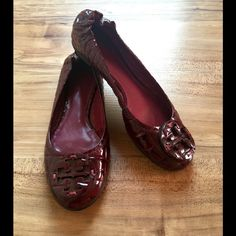 Tory Burch Flats Cute Tory Burch Burgundy Red Reptile Print Flats! Gently worn ! Women's Size 61/2 medium Tory Burch Shoes Flats & Loafers