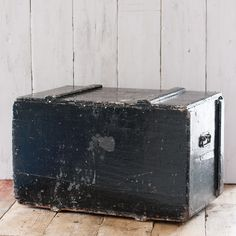 This fantastic Large Vintage Wooden Storage Trunk is nothing short of industrial loveliness - funky chunky