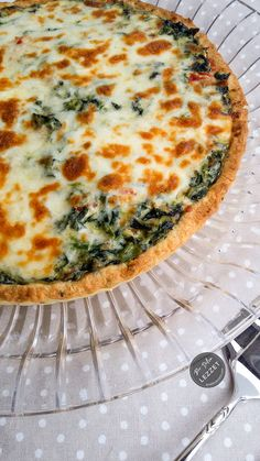 Quiche with spinach Never stress over meal time again thanks to roundup of quick dinner ideas. Great Recipes, Dinner Recipes, Healthy Recipes, Yummy Recipes, Healthy Wraps, Healthy Appetizers, Healthy Baking, Baking Recipes, Cookie Recipes