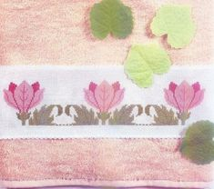 Arte Índia: Gráficos de Ponto Cruz - Flores para Toalha de Banho