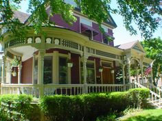 1888 Queen Anne Three Story home with a wrap around porch.� Three gorgeous, lavishly decorated rooms.� All with a private bath.� Located in the heart of Sioux Falls, SD.� Close to all downtown activities and easy access to all corners of the city as well.� Located next to the famous Pettigrew Home and Museum.�