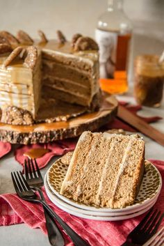 Seasonal and comforting, this Boozy Bourbon Caramel Spice Cake is full of fall flavors, covered in a caramel bourbon cream cheese buttercream, and garnished with your favorite gingersnap cookies! Unique Thanksgiving Desserts, Thanksgiving Cakes, Fall Desserts, Christmas Desserts, Just Desserts, Delicious Desserts, Christmas Cakes, Delicious Dishes, Yummy Food