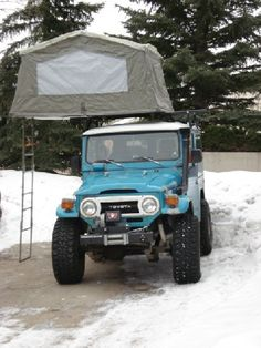 FJ40 with rooftop tent