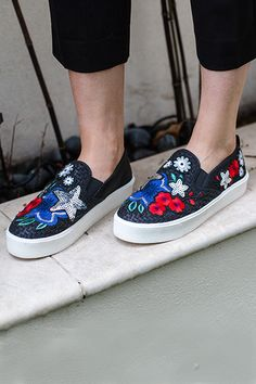 official photos 1dfaa 2efc6 Floral pops are still dominating, so add a splash of pretty petals to your  casuals