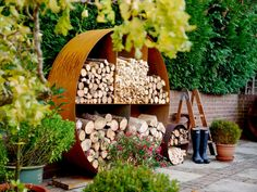 The Log Store No. 3 is the big one baby! it's the show stopper! Still wonderfully understated, still striking but the Log Store No. 3 will be the center piece of your home or garden. It turns a huge pile of logs into an organised and beautiful foc...