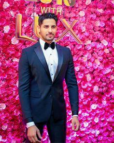SM ❤ Anarkali Bridal, Shraddha Kapoor, Mens Fashion Suits, Bollywood Actors, Actors & Actresses, Gentleman, Bae, Breast, Suit Jacket
