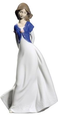 Truly In Love NAO Figurine. Shop the entire NAO by LLadro Porcelain Figurines Collection at AllSculptures.com