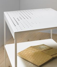 Dyskretna nowoczesność #home #design #italian #furniture #table #alf