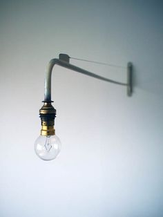 Swing-jib lamp from 1947 by Jean Prouve