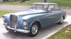 1959 Four-door Saloon by Hooper (chassis BC16GN, design 8512), one of six units produced