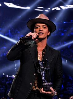 my favorite singer is Bruno Mars.