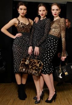 ooooh I am digging these print mash-ups! leopard and polka dots FTW! - Leopard Dresses - Ideas of Leopard Dresses Fashion Mode, Skirt Fashion, Love Fashion, Runway Fashion, Womens Fashion, Fashion Design, Fashion Trends, Jeans Petite, Leopard Print Outfits